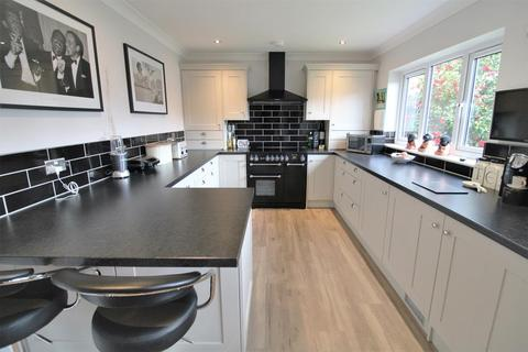 3 bedroom detached bungalow for sale - The Vyne, Bexleyheath, DA7 6DZ