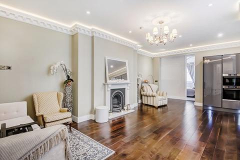 3 bedroom apartment to rent - Trebovir Road Earls Court SW5