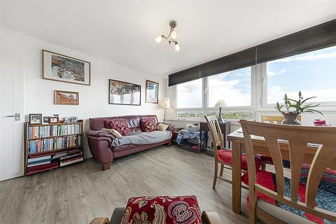 1 bedroom flat for sale - Parkham Street, SW11