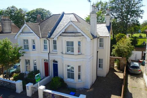 3 bedroom semi-detached house for sale - Madeira Avenue, Worthing, West Sussex, BN11