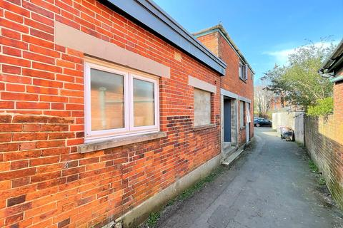 1 bedroom in a house share to rent - 30a Caesars Road, Newport PO30