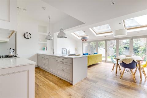 2 bedroom maisonette for sale - Elms Crescent, London, SW4