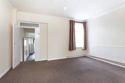 2 bedroom maisonette for sale - Romford Road, Manor Park, E12