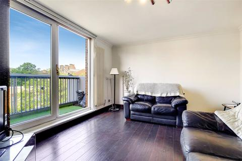 3 bedroom apartment for sale - Rainhill Way, London, E3