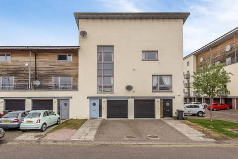 4 bedroom townhouse for sale - Thorter Row, Dundee