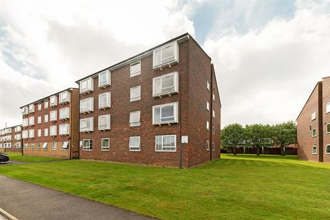 2 bedroom apartment to rent - Station Approach, Cheam, Sutton