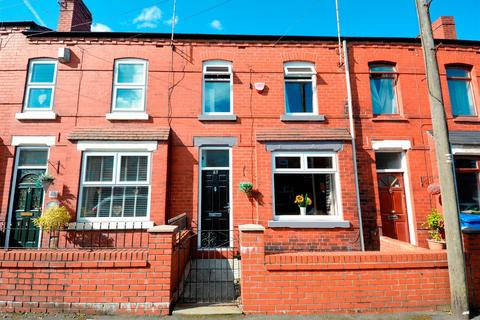 3 bedroom terraced house to rent - First Avenue, Springfield, Wigan, WN6 7AZ