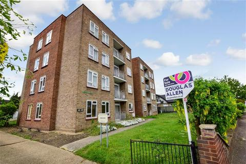 2 bedroom flat for sale - Longbridge Road, Barking, Essex