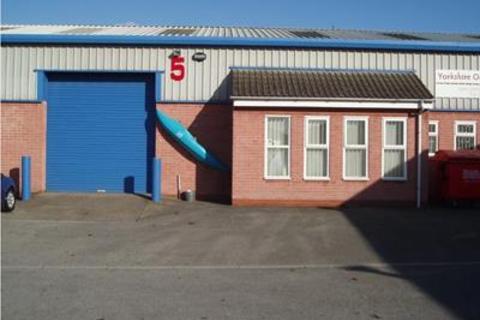 Industrial unit to rent - Unit 5 Croft Court, Sandall Carr Road, Kirk Sandall, Doncaster