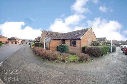 2 bedroom bungalow for sale - Edgcott Close, Luton, LU3