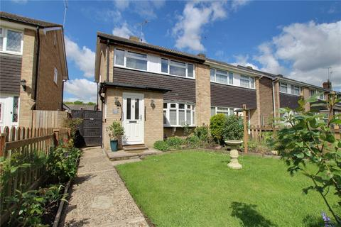 3 bedroom semi-detached house for sale - Kingfisher Drive, Woodley, Reading, RG5