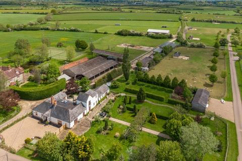 Farm for sale - Buckinghamshire