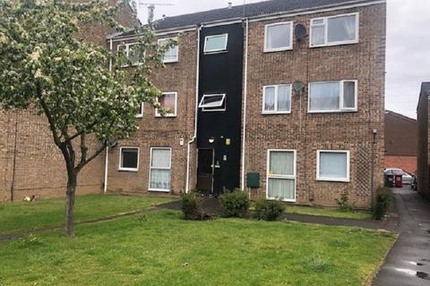 2 bedroom flat for sale - Rochford Gardens, Slough, Berkshire. SL2 5XN