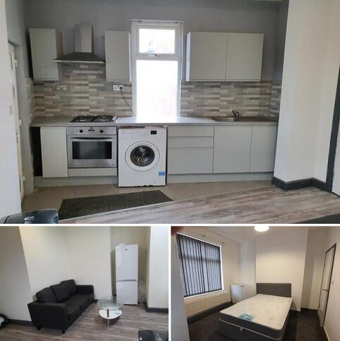 3 bedroom flat share to rent - lloyds street, Manchester M14