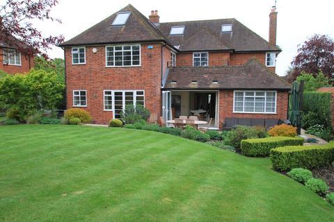 6 bedroom detached house to rent - Burnham Avenue, Beaconsfield, HP9