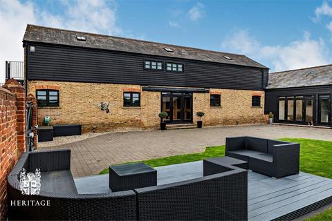 6 bedroom barn conversion for sale - Holfield Grange, Coggeshall, Essex