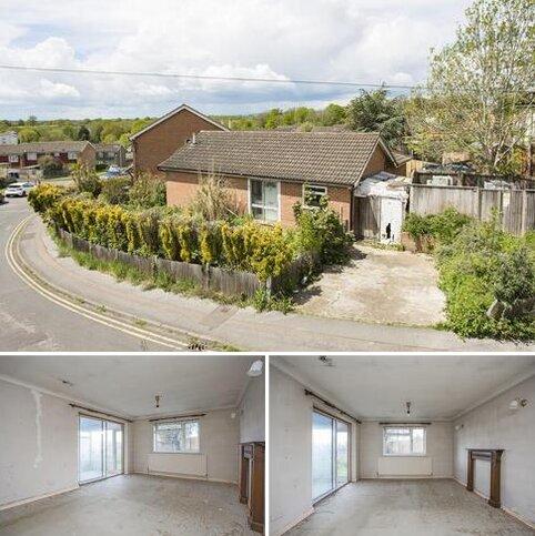 2 bedroom detached bungalow for sale - The Chase, Tonbridge