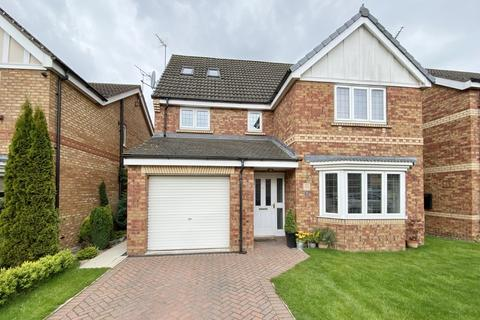 6 bedroom detached house for sale - Cawthorn Close, Driffield