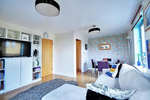 2 bedroom apartment for sale - Saw Mill Way, London