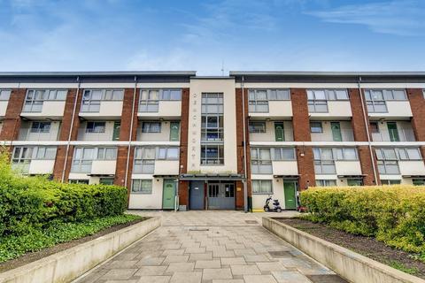 3 bedroom flat for sale - Robsart Street, London SW9