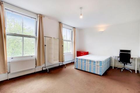 3 bedroom flat to rent - Burdett Road, London