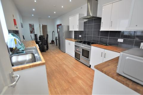 6 bedroom house share to rent - St Albans Road, Brynmill, Swansea