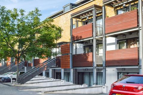 2 bedroom flat to rent - Chronos Building, Stepney E1