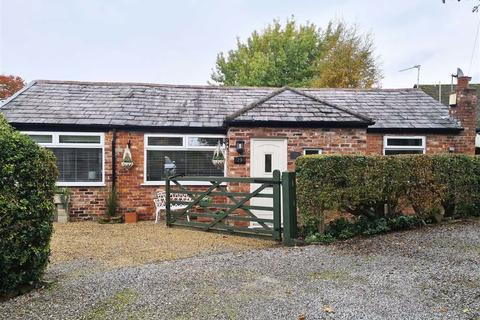 2 bedroom detached bungalow to rent - Gravel Lane, WILMSLOW