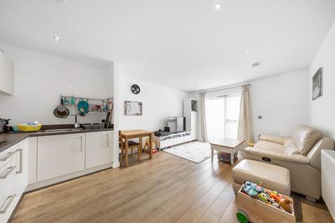 2 bedroom flat for sale - Bedford Road, SW4