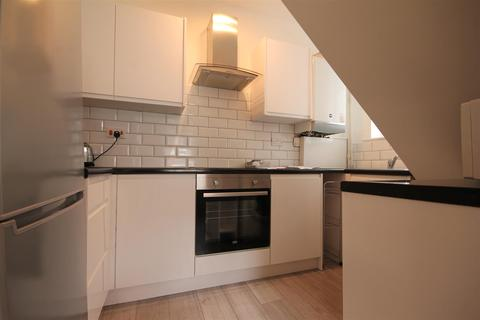 3 bedroom semi-detached house to rent - Greystoke Gardens, Sandyford