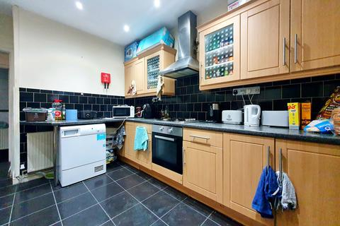 4 bedroom terraced house to rent - North Road