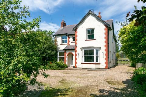 4 bedroom detached house for sale - York Road, Shiptonthorpe, York, North Yorkshire, YO43 3PH