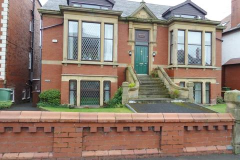 2 bedroom apartment to rent - St. Thomas Road, Lytham St. Annes