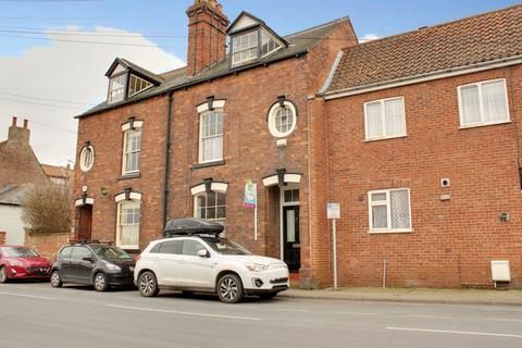 3 bedroom terraced house for sale - Beckside, Beverley HU17 0PD