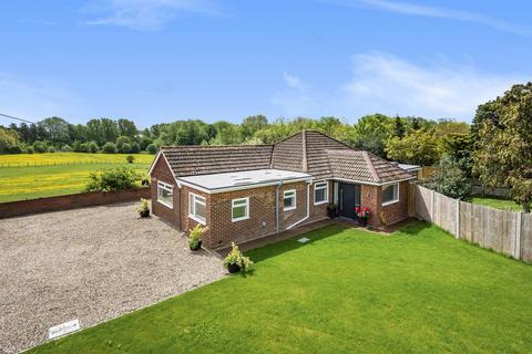 4 bedroom detached bungalow for sale - Pratling Street, Aylesford