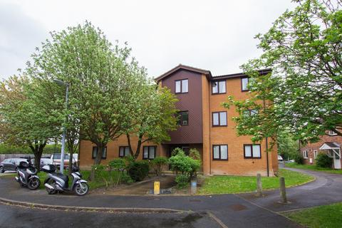 2 bedroom flat for sale - Speedwell Close, Cambridge, CB1