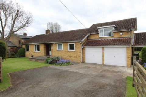 4 bedroom detached bungalow for sale - High Street, Wrestlingworth
