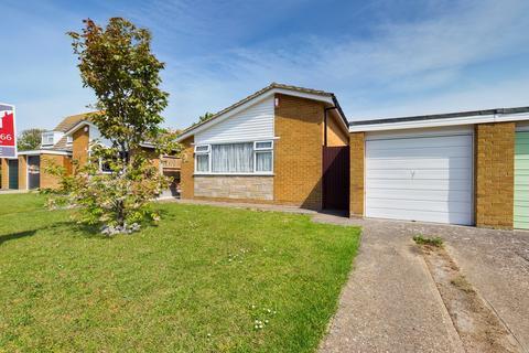3 bedroom detached bungalow for sale - Cedar Close, Broadstairs, CT10