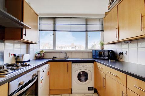 3 bedroom apartment for sale - Putney Hill, London