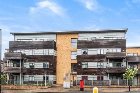 2 bedroom flat to rent - Charlton Road London SE7