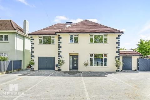 7 bedroom detached house for sale - Holdenhurst Avenue, Boscombe East, BH7