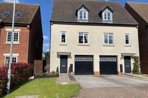 3 bedroom townhouse for sale - Hudscroft Drive, Hook, Goole