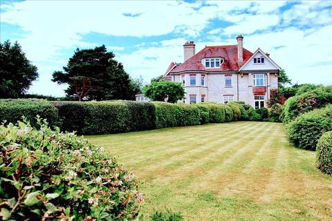 3 bedroom apartment to rent - Evening Hill Grange, Alington Road