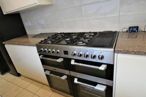 4 bedroom house share to rent - Leek Road, Stoke, Stoke-on-Trent, ST4 2BW