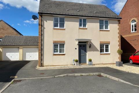 3 bedroom detached house for sale - Ffordd Y Glowyr, Betws, Ammanford