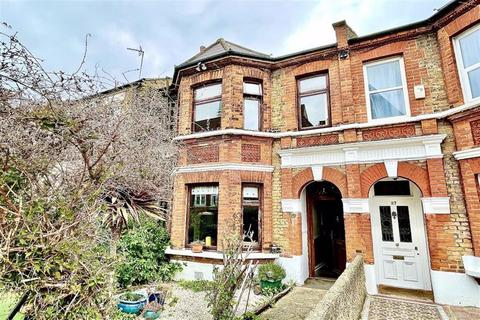 4 bedroom end of terrace house for sale - Genesta Road, Shooters Hill, London, SE18