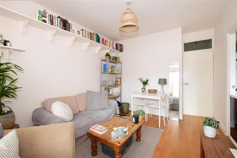 2 bedroom flat for sale - Ditchling Rise, Brighton, East Sussex