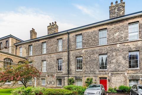 3 bedroom flat for sale - Gilbert Close Royal Herbert Pavilions SE18