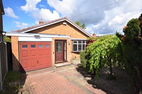 3 bedroom detached bungalow for sale - Priory Avenue, Ravenshead, Nottingham