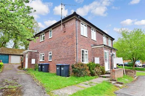 1 bedroom ground floor maisonette for sale - The Dell, East Grinstead, West Sussex